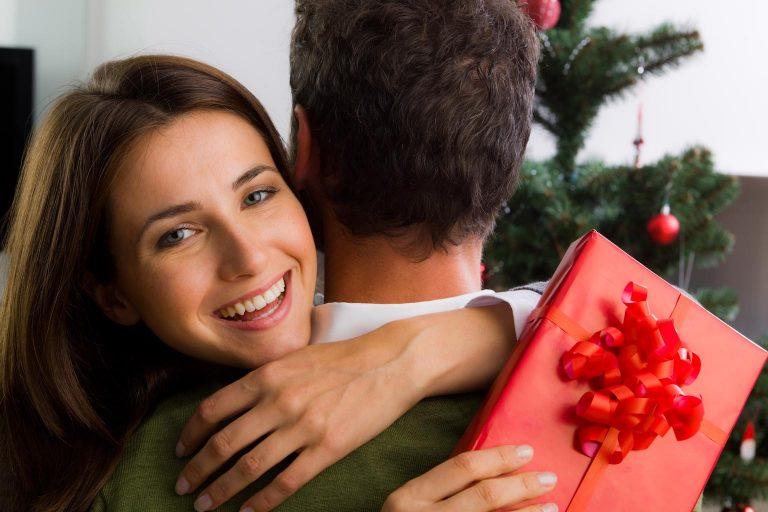 Что подарить любимой девушке в новый год