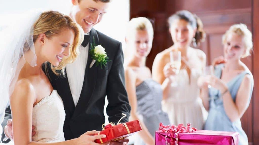 Подарок на свадьбу незабываемый