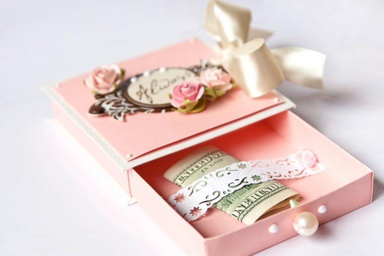 На что подарить деньги молодоженам