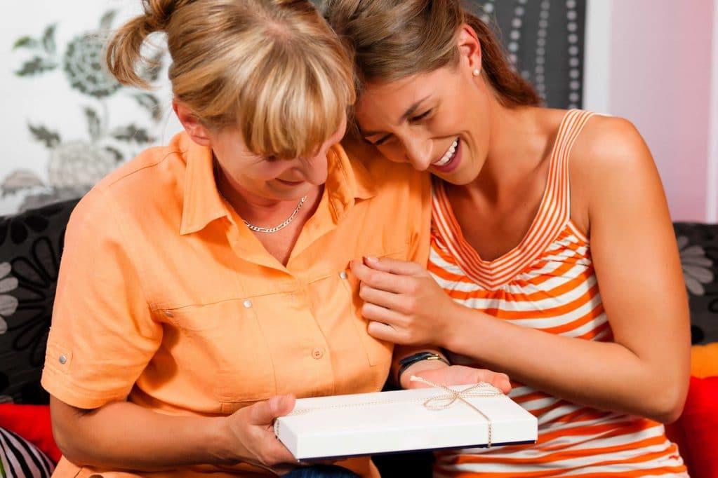 Как узнать свой подарить дочери на 81