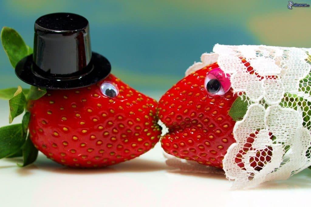 Подарки на клубничную свадьбу 49