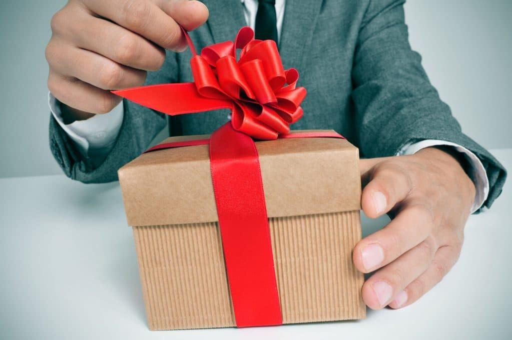 Подарок мужчине на 30 лет