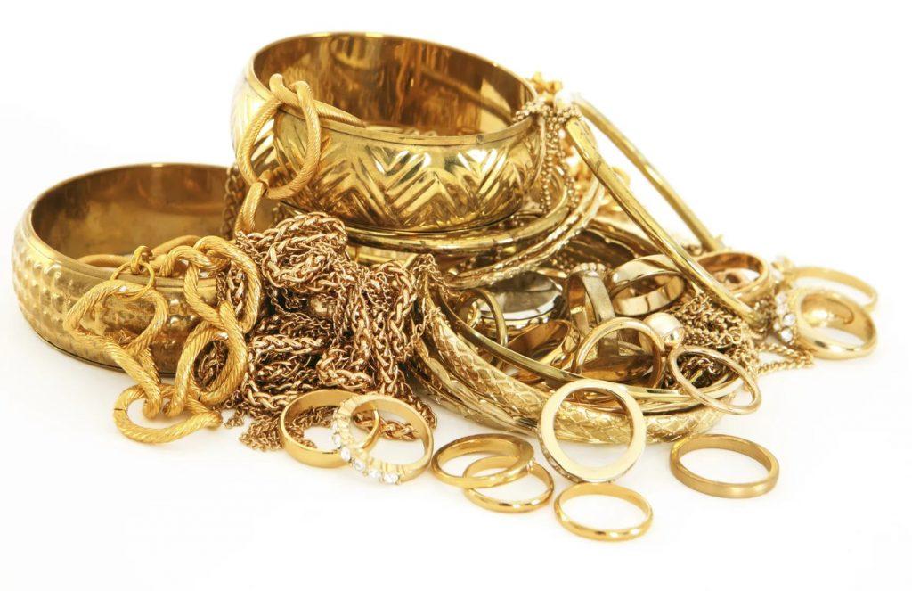 Золото на 50 лет свадьбы