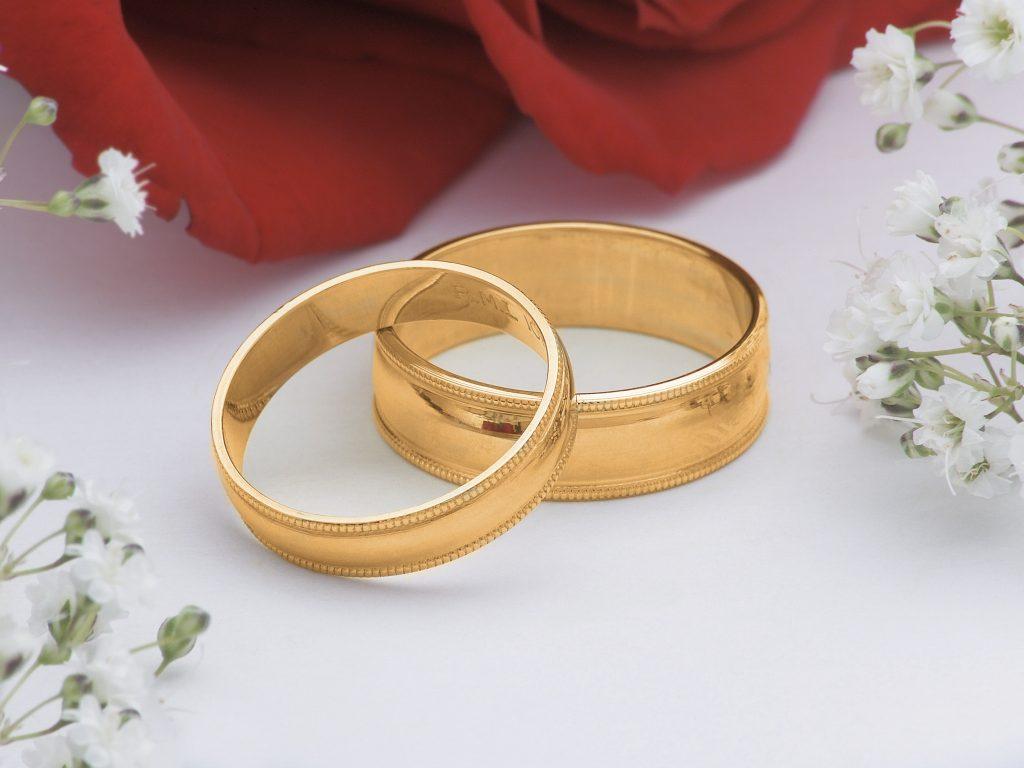 Подарок на золотую свадьбу родителям - золотые кольца