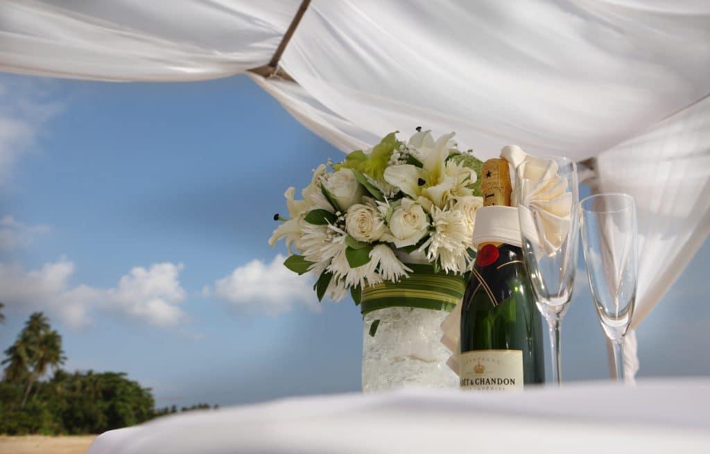 Что можно подарить брату на свадьбу