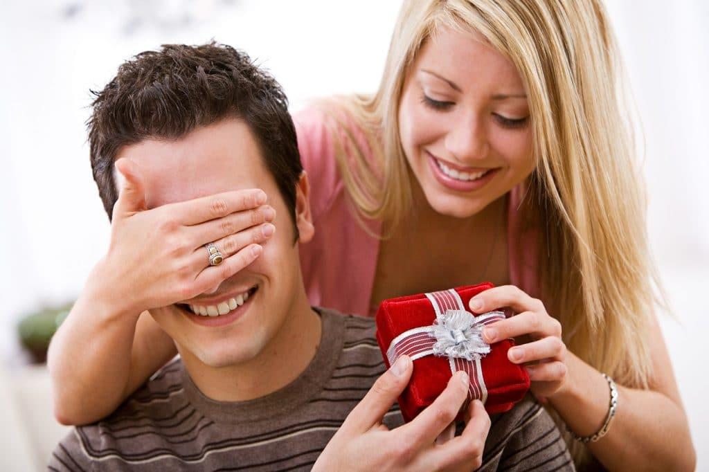 что подарить мужу на 10 лет свадьбы