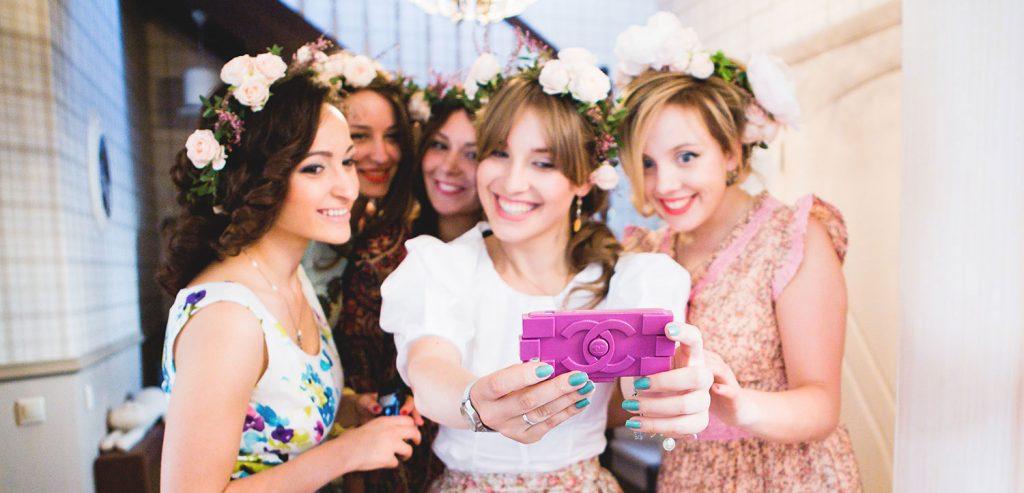 Что подарить сестре на свадьбу: варианты необычных