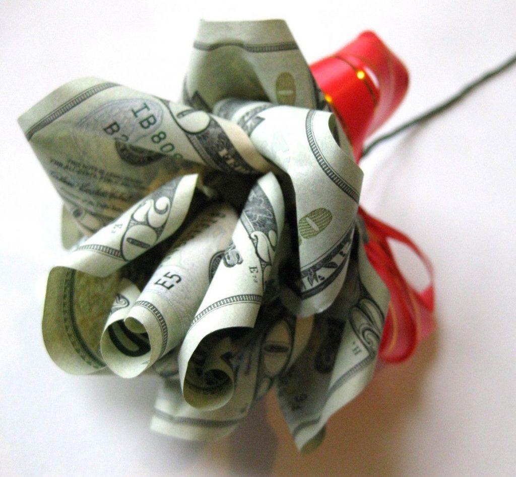 как подарить деньги мужчине