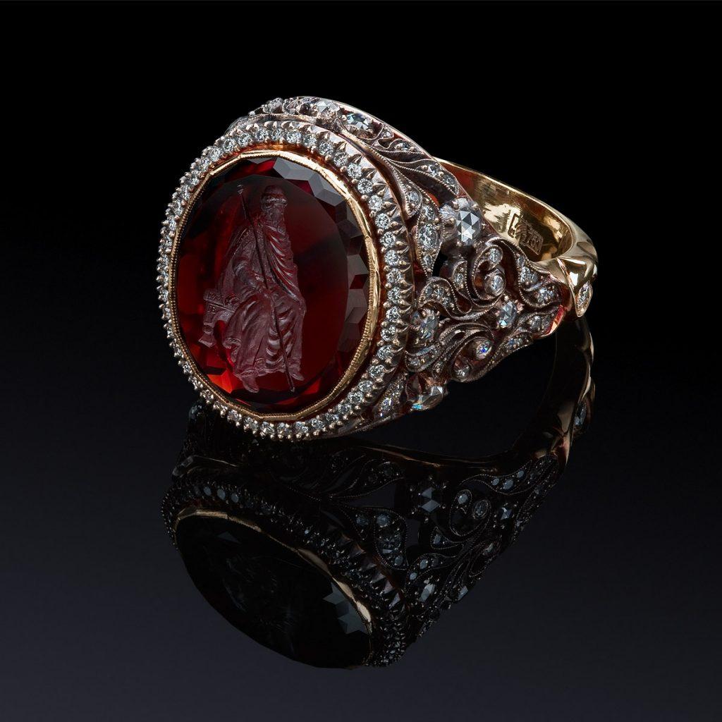 Гранатовый перстень