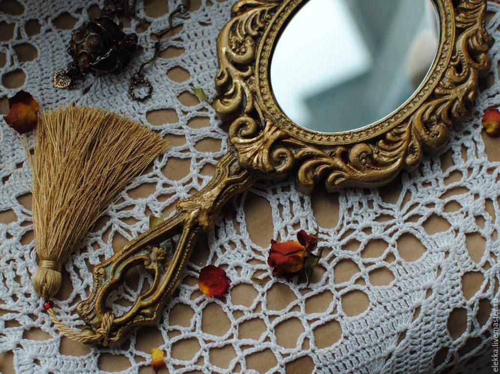 Подарочное зеркало женщине