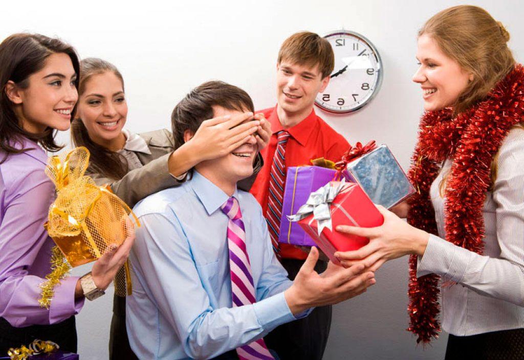 Подарок на новый год для коллег