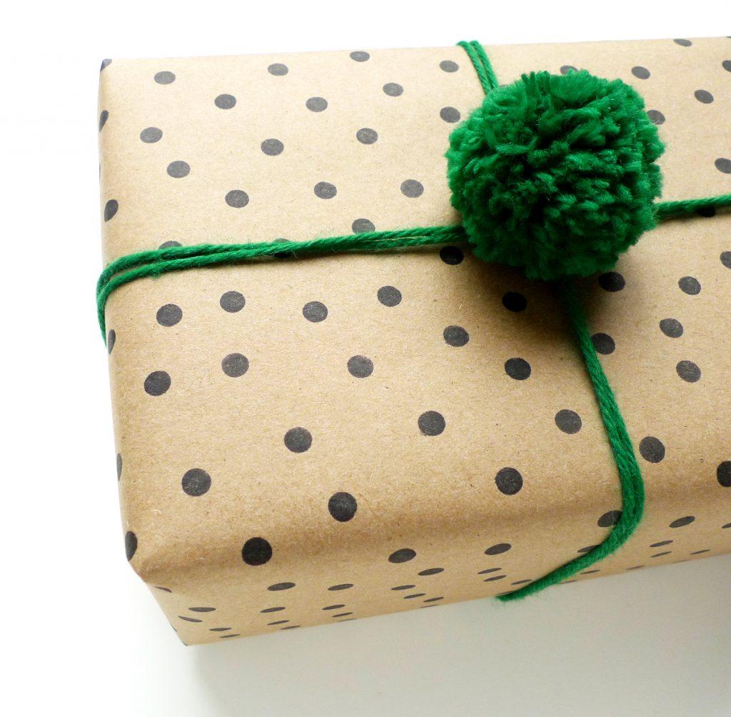Помпоны для упаковки подарков